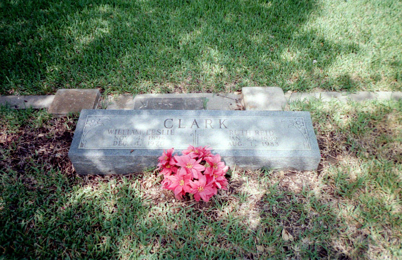 CLARK, WILLIAM LESLIE and GRACE RUTH (REID)<br /> Gonzales City Cemetery, Gonzales, Texas<br /> <br /> William Leslie Clark: Nov 4, 1896 - Dec 4, 1970<br /> Grace Ruth (Reid) Clark: Jan 23, 1899 - Aug 1, 1983