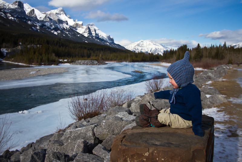 <b>1 Feb 2012</b> Boy and the Bow River
