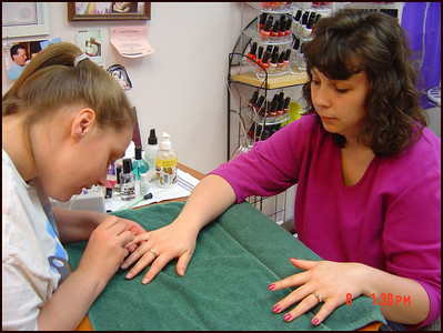 Jodi_gets_a_pretty_purple_manicure_for_mother's_day