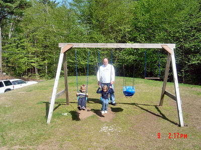 Tyler_and_Natalie_swing_Uncle_Chuck_pushes