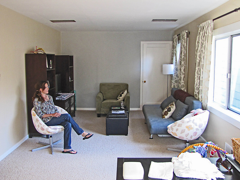 The remodeled family room_0111