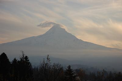 lenticular cloud over Mount Hood