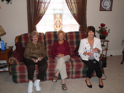 Mom, Gladys, and Lisa visiting at Sarah's