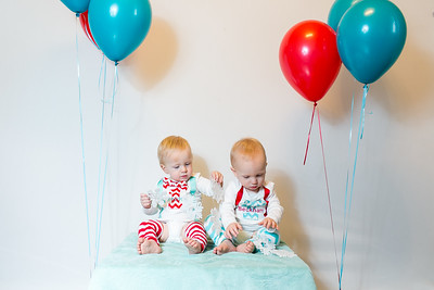 2015Dec9-MurffBabies-OneYear-Twins-012