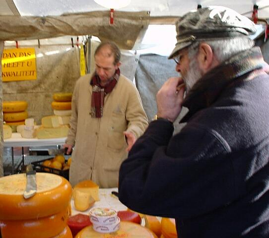 My father, doing what he does every Saturday (if he can): going shopping on the market in Hilversum and buying fresh produce and real farmer's cheese.