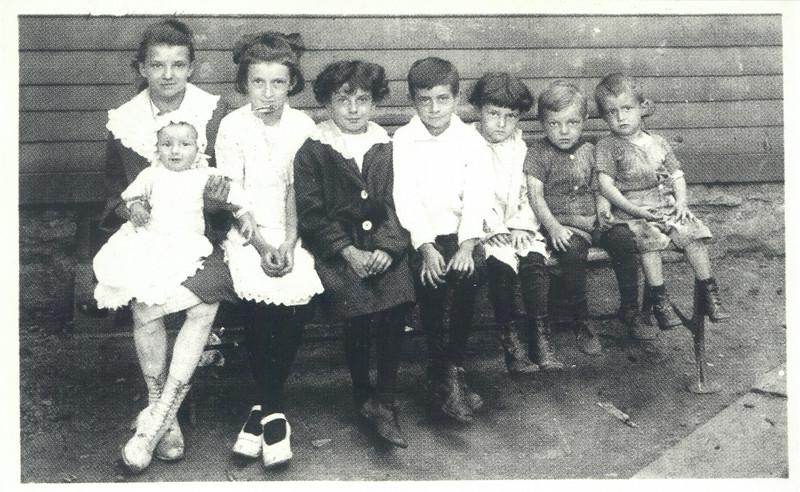 Naffky kids: Myra w/ Jack, Gert, Sophia (Pat), Eddie, Helen, Chris (Kike), Chuck.  Taken around 1916.