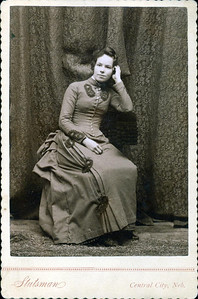 Annie Laura Davis Oldham