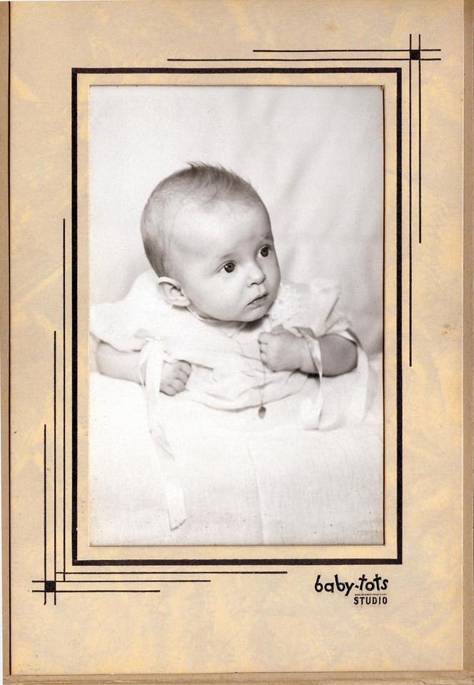 Bertha Lynn Robertson