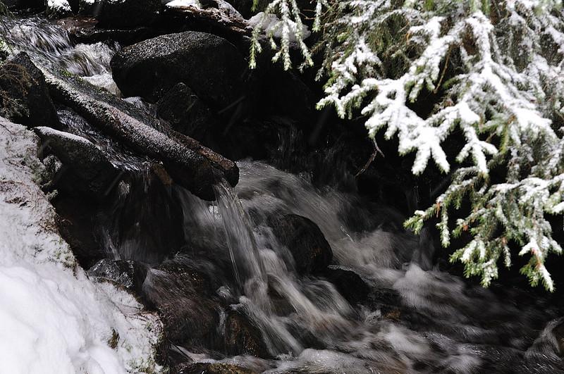 Jezerní potok