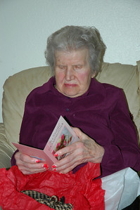 Nellie with card-B-Day Sep 2010