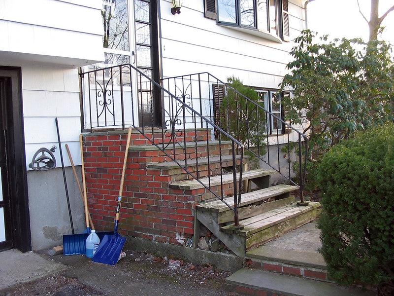 Old Steps 1-22-06ps
