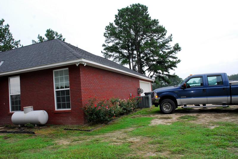 garage side of house