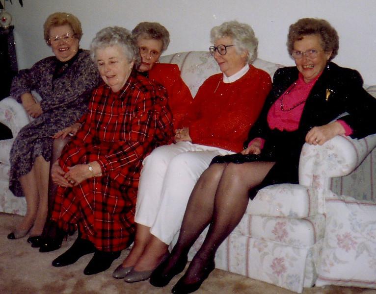 Kathryn Siano, Eleanor Ingraham, Doris Dion, Jean Johnston, Ruth Nicholson
