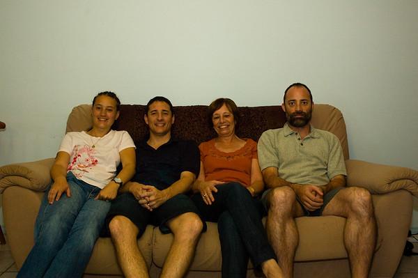 Family-at-Mums-0005
