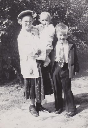 1950_07 Joan Shirley Bob