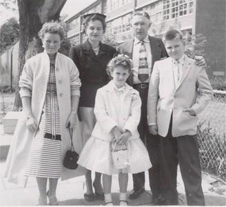 1957 Joan Tillie RWO Shirley Bob 57 (392x358) (3)