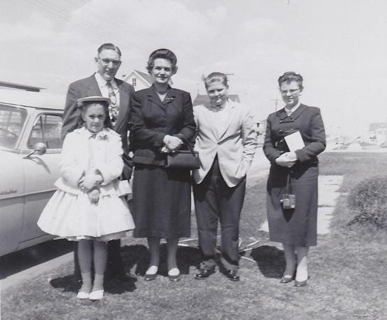 1957_04 Easter Shirley Dad Mom Bob Joan (640x528)