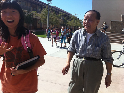sept 29,2011我爸爸刚到的下午,去orchard Hills school接晴晴放学