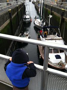 Tam and Kol at the locks