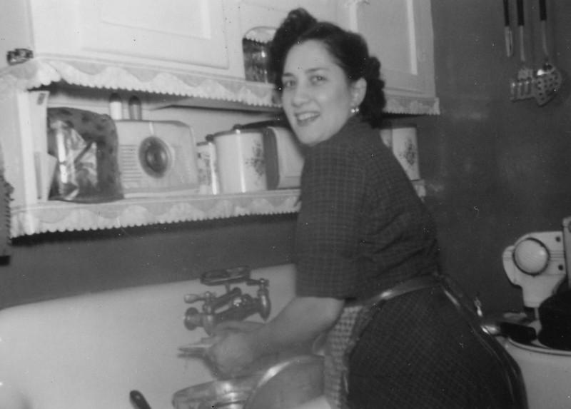 Marie Genova