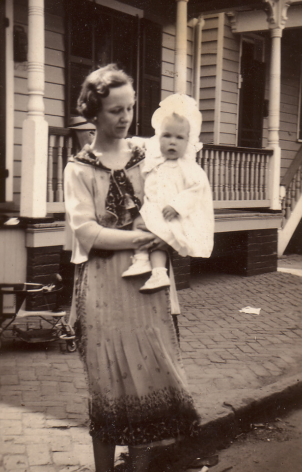 Virginia Carlisle with Mary Katherine Carlisle, 1936
