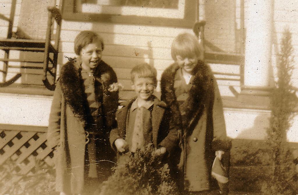Eleanor, Elwood and Adelaide Carlisle