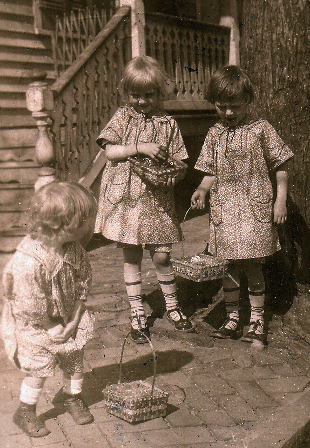 Elwood, Adelaide and Eleanor Carlisle, Easter, ca 1926. Note the matching dresses and romper made by their Aunt Hennie