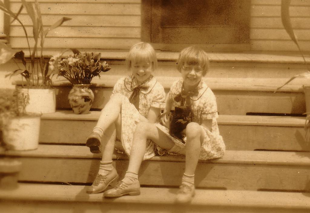 Adelaide and Eleanor Carlisle, ca 1925