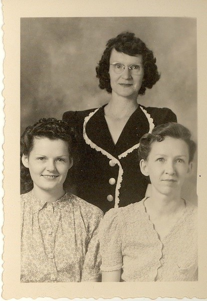 Jewel and possibly her sisters, Mary and Ann?