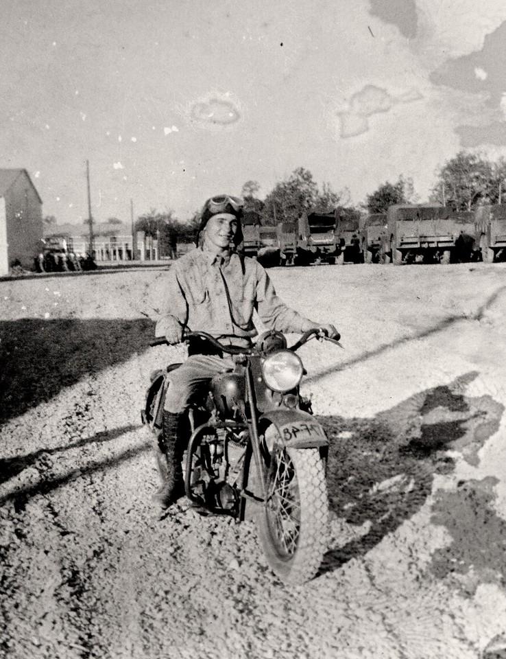 Dad bike rider 1940-2p
