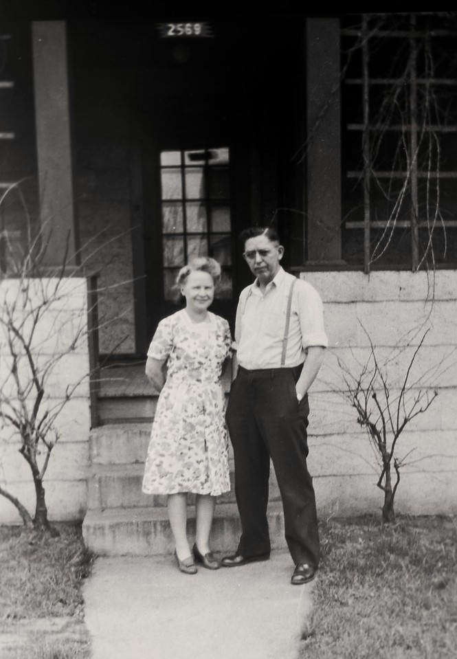 Grandma and Grandpa-7401