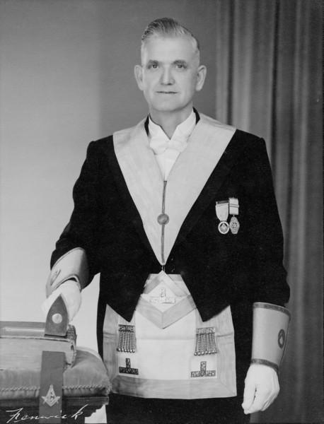 Oscar Parkinson, Russell's Grandfather