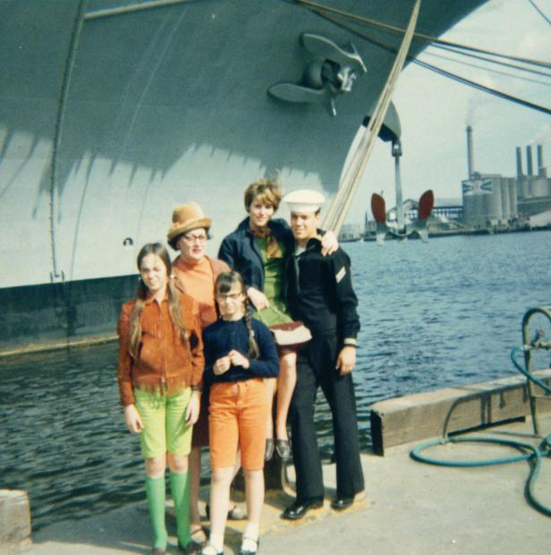 Robin, Mother, Pam Edie & Rob 1968.