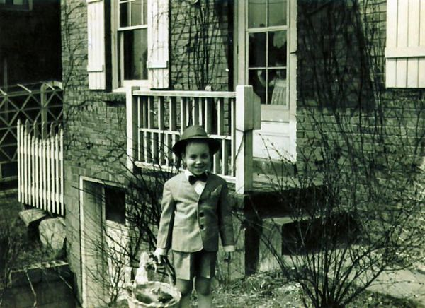 1948 - Rob & Cathy at door.  Mom & Dad's first home $6,50.00