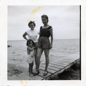 Gladys Julia and George