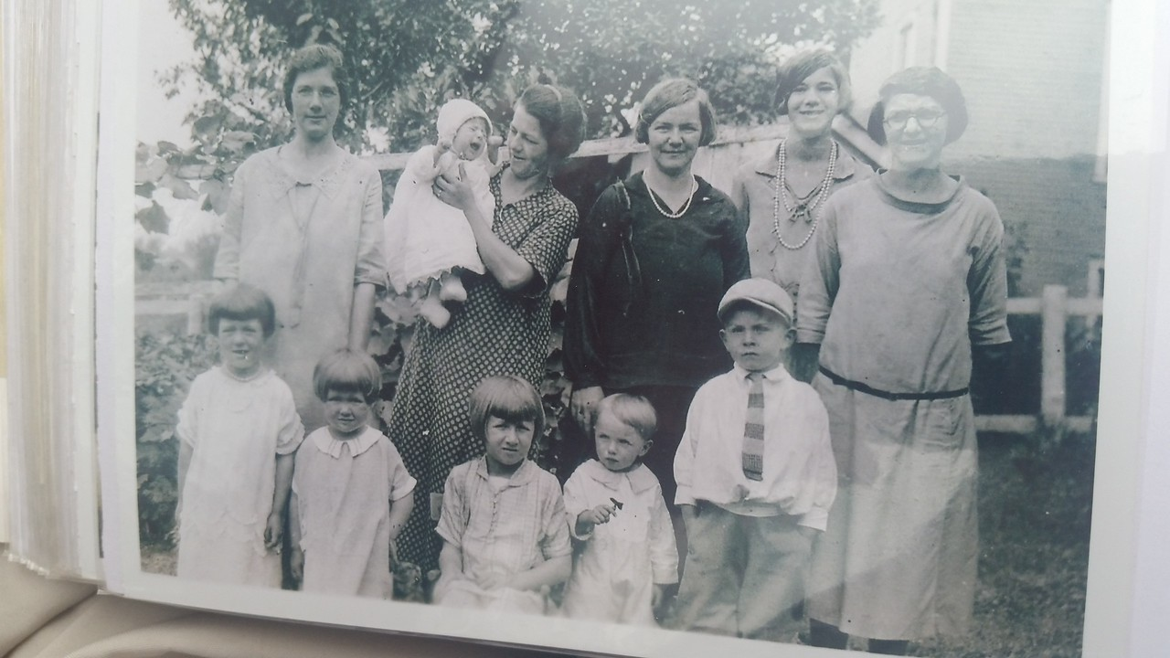Bottom row right to left Uncle Kermit and Dad (Harold Henninger)