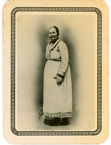 Edna Priscill Lee Wood Ballentine, Mother to Sallie Bell Ballentine Warren.  Born 1866, died 1938. Edna is Adrian, Jr.'s great-grandmother.