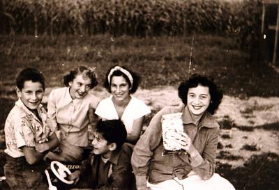 Aunt Dottie, Julia, Donna & Edwin