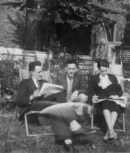 Cyril & Rose Croydon 1937 is the other man Uncle John?