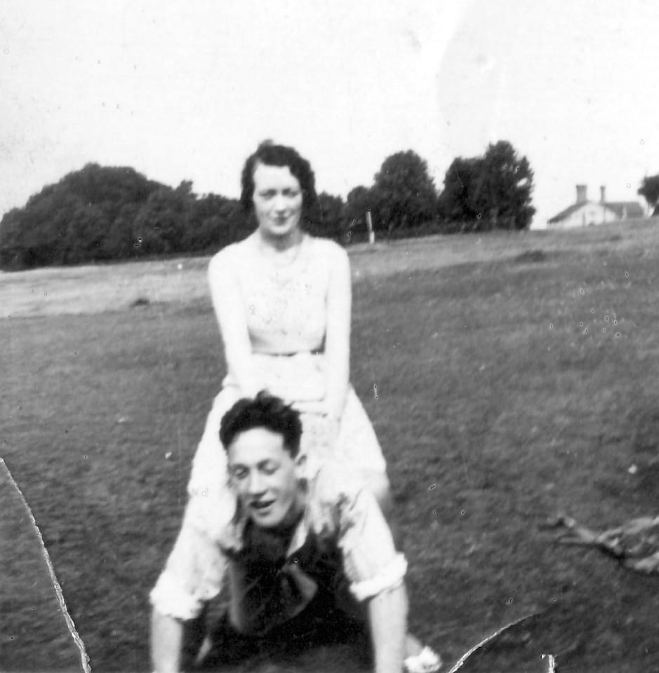 Alice & Peter Kavanagh, Epsom Downs