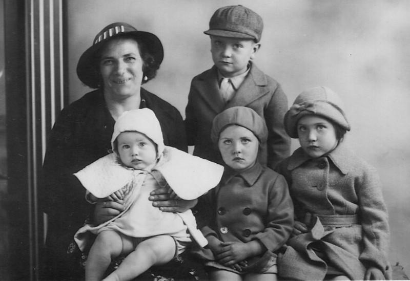 Aunty Emma (Uncle John's wife) John, Pat, Joe & June