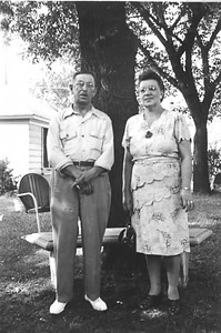 34 Old Nicol Photos - Mr & Mrs Simon Holkeboer 1947
