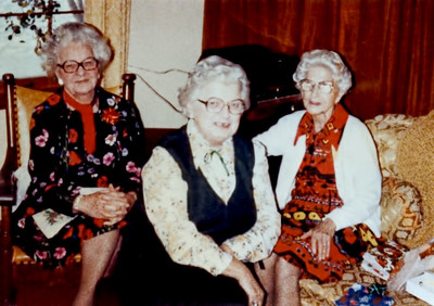Grandma Holkeboer, Aunts Maude & Lena adj