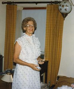 Old Nicol Photos 4010 - Mary