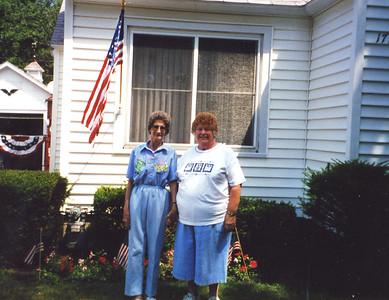 Old Nicol Photos 4027 - Mary & June