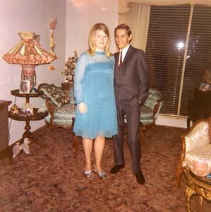 Old Nicol Photos 4033 - Dec 1967 Linda & Gordon