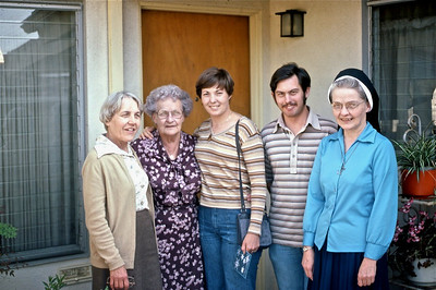 Aunt Marie, Grandma Walsh, MP, Joey, Aunt Pudgy
