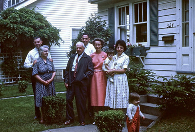 Uncle Bill, Grandma Smith, Grandpa Smith, Dad, Mom, Aunt Delores, and cousins