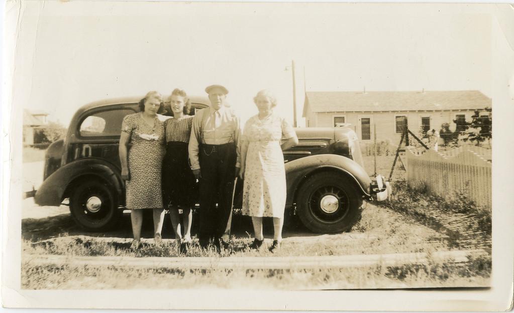 Aunt Lewise, Eeleene Grandpa Pete and Grandma Fronie.