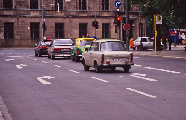 11 Berlin Trabants
